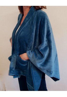 Zachte poncho in fleece van Lords and Lilies.
