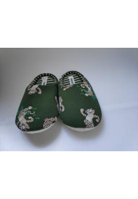 Pantoffels donkergroen met...