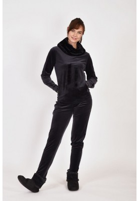Dames sweater en broek...
