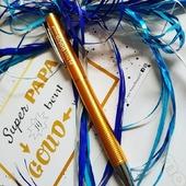"""Voor alle VIPP's met een gouden hart 💛  Bij elke vaderdag bestelling een """"jij bent goud waard"""" kaartje én stylo!   Bestelde je reeds een vaderdag-cadeautje bij ons? Kom je stylo en kaartje dan ophalen in onze winkel. Of geef ons een seintje per mail en we bezorgen je nog eentje.  ➡️ VIPP = Very Important Pyjama Papa 😉  Vermeld op onze webshop duidelijk VADERDAG bij je bestelling : www.moutonaalst.be  #vaderdag #moutonaalst #cadeautip #cadeaubon #matchingpyjama #kamerjas"""