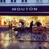 Moderne Kerstmannen, die komen met de bakfiets. 🎅🚴♂️📦  @fietserij   #snelstebeentjesvanheelaalst #lokaalst #fietskoerier #fenomenaalst