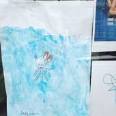 Tekentalent gespot in de Kattestraat!  Vrolijk jij mee onze straat op? Breng je tekening dan bij ons binnen. Een kleine verrassing ligt al voor je klaar.😉🎉  #lokaalst #chipka #moutonaalst #tekeningen #kattestraat #aalstaanmijligt #aalstnatuurlijk #welove #lokaaltalent